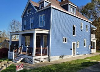 Foreclosed Home in Pittsburgh 15205 QUEENSBURY ST - Property ID: 4274070123