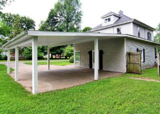Foreclosed Home in Sikeston 63801 N RANNEY ST - Property ID: 4274301839