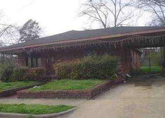 Foreclosed Home in Fairfield 35064 MYRON MASSEY BLVD - Property ID: 4275032365