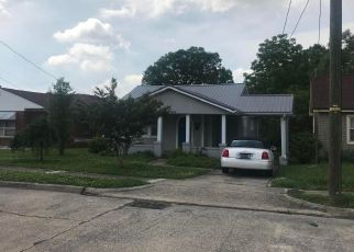Foreclosed Home in Kingsport 37664 VIRGINIA AVE - Property ID: 4275224643