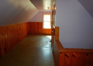 Foreclosed Home in Waterloo 50702 HAWTHORNE AVE - Property ID: 4276127751