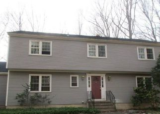 Foreclosed Home in Ridgefield 06877 MINUTEMAN RD - Property ID: 4276400152