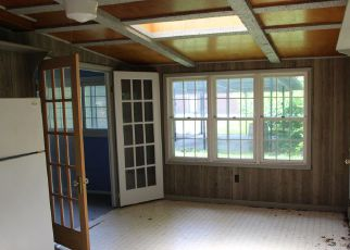 Foreclosed Home in Hawesville 42348 RIVER ST - Property ID: 4276607768