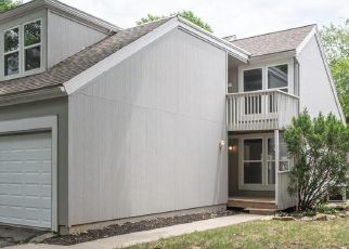 Foreclosed Home in Lenexa 66215 COLONY LN - Property ID: 4277536708