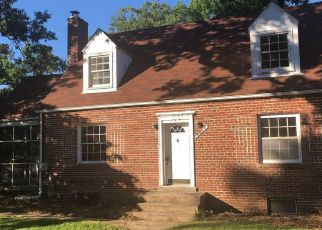 Foreclosed Home in Suitland 20746 SKYLINE DR - Property ID: 4277601975