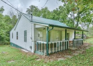 Foreclosed Home in Bluff City 37618 MOUNT HOLSTON RD - Property ID: 4277776720