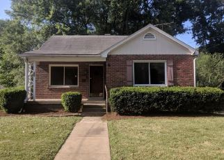 Foreclosed Home in Belleville 62226 S 38TH ST - Property ID: 4279514148