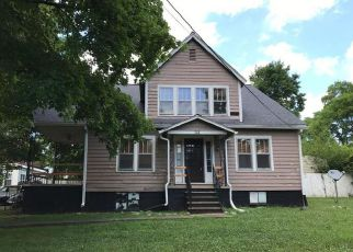 Foreclosed Home in Hopkinsville 42240 E 7TH ST - Property ID: 4279586418