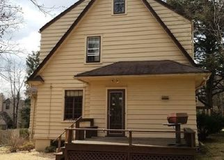 Foreclosed Home in Maplewood 07040 EVERGREEN PL - Property ID: 4279753738