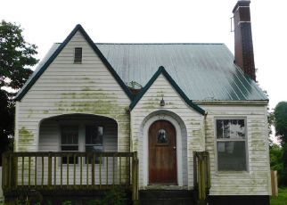Foreclosed Home in Charleston 63834 DANFORTH ST - Property ID: 4280943708