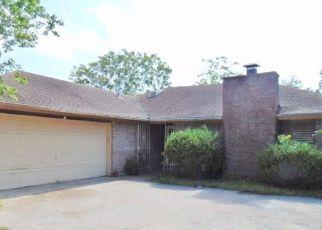 Foreclosed Home in Corpus Christi 78413 EDINBURG CIR - Property ID: 4281635258