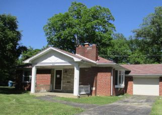 Foreclosed Home in Belleville 62226 SAINT CLAIR LAKE DR - Property ID: 4282547116