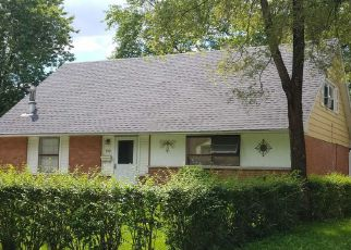 Foreclosed Home in Chicago Heights 60411 FREDERICK DR - Property ID: 4282632536
