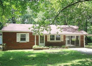 Foreclosed Home in Centralia 62801 PHYLLIS DR - Property ID: 4282633403