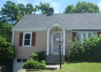 Foreclosed Home in Stratford 06615 HEMLOCK ST - Property ID: 4282893564