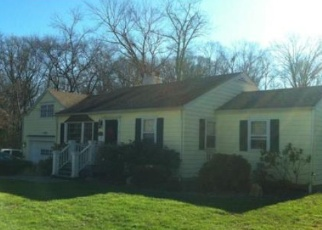 Foreclosed Home in New Canaan 06840 JELLIFF MILL RD - Property ID: 4282904511