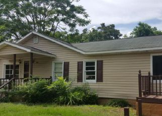 Foreclosed Home in Laurinburg 28352 MCGIRTS BRIDGE RD - Property ID: 4283177820