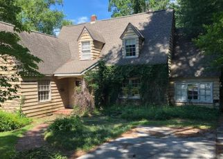 Foreclosed Home in Fayetteville 28305 PARKVIEW AVE - Property ID: 4284023536