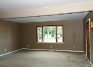 Foreclosed Home in Thorofare 08086 ASBURY AVE - Property ID: 4284561815