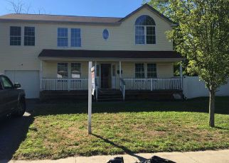 Foreclosed Home in Amityville 11701 COMMERCE BLVD - Property ID: 4285091312
