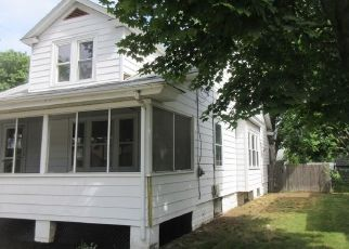 Foreclosed Home in Warwick 02888 BENEDICT RD - Property ID: 4285304165