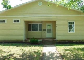Foreclosed Home in Herington 67449 S C ST - Property ID: 4286153851