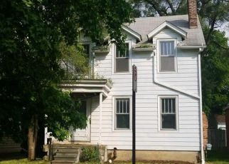 Foreclosed Home in Pontiac 48341 MOHAWK RD - Property ID: 4286275155