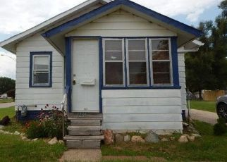 Foreclosed Home in Waterloo 50701 HOWREY AVE - Property ID: 4287105108