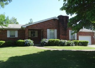Foreclosed Home in Sikeston 63801 LINK DR - Property ID: 4287226888