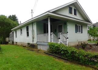 Foreclosed Home in Belvidere 07823 HARDWICK ST - Property ID: 4287269806