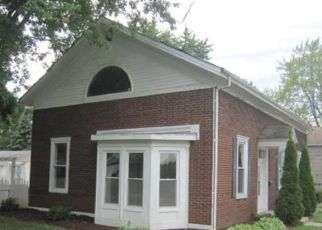 Foreclosed Home in Union Grove 53182 11TH AVE - Property ID: 4287455951