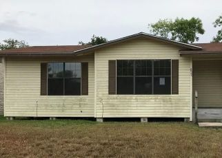 Foreclosed Home in Sinton 78387 HAMILTON ST - Property ID: 4287845741