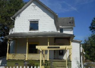 Foreclosed Home in Harriman 37748 CLINTON ST - Property ID: 4287864568