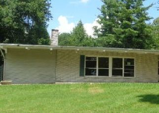 Foreclosed Home in Oneida 37841 BURCHFIELD AVE - Property ID: 4288124284