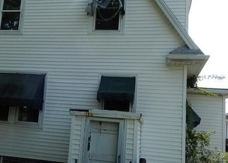 Foreclosed Home in Cranston 02910 GARDEN ST - Property ID: 4288164579