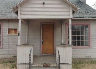 Foreclosed Home in Medford 97501 DAKOTA AVE - Property ID: 4288251295
