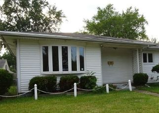 Foreclosed Home in Toledo 43612 SLATER ST - Property ID: 4288275390