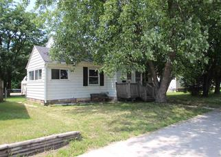 Foreclosed Home in Waterloo 50703 LOGAN AVE - Property ID: 4288988859