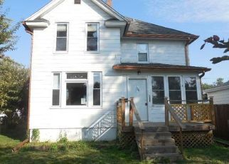 Foreclosed Home in Davenport 52802 S ELSIE AVE - Property ID: 4289007237