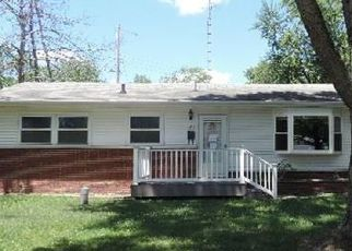 Foreclosed Home in Lincoln 62656 SOUTHGATE ST - Property ID: 4289075568