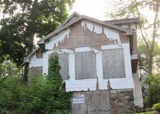 Foreclosed Home in Danbury 06811 LAKE RD - Property ID: 4289375129