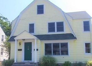 Foreclosed Home in Bridgeport 06605 COURTLAND AVE - Property ID: 4289379520