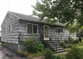 Foreclosed Home in Stratford 06615 EARLY AVE - Property ID: 4289451342