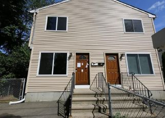 Foreclosed Home in Stratford 06615 SURF AVE - Property ID: 4289464938