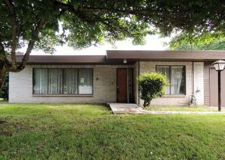 Foreclosed Home in Auburn 98002 RIVERVIEW DR NE - Property ID: 4289901137