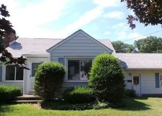 Foreclosed Home in Schenectady 12302 WOODSIDE DR - Property ID: 4290099101