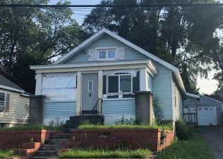 Foreclosed Home in Albany 12205 QUINCY ST - Property ID: 4290146412