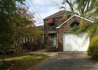 Foreclosed Home in Middlesex 08846 ASHLAND RD - Property ID: 4290248461