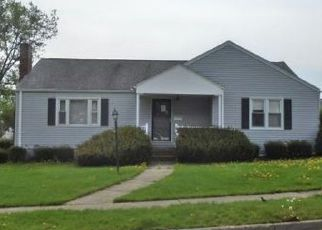 Foreclosed Home in Endicott 13760 CRESCENT DR - Property ID: 4290338691