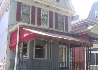 Foreclosed Home in Pittsburgh 15218 LINCOLN AVE - Property ID: 4290384223